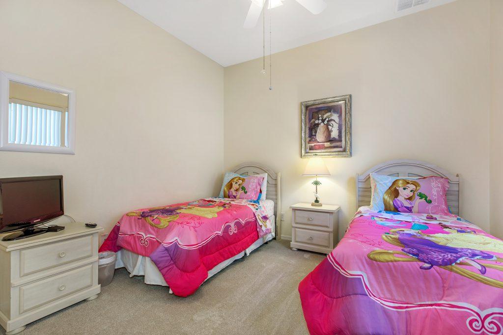 2 Twin Bedrooms